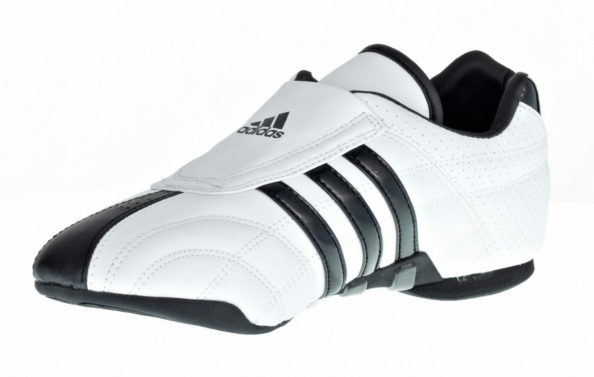 Adidas chaussure Adilux blanche avec des rayures noirs